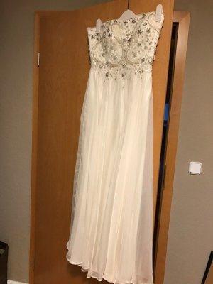 Langes schulterfreies Kleid mit Corsage von Barbara Schwarzer Young Couture
