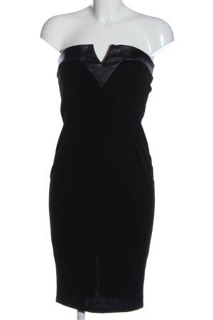 Laria Silvestri Robe épaules nues noir style d'affaires