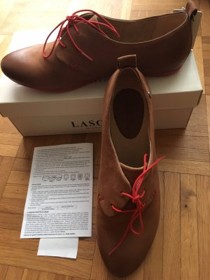 Lasocki Wingtip Shoes red-brown