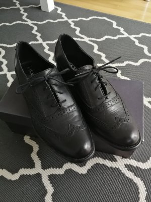 Lasocki Wingtip Shoes black