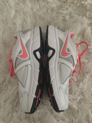 Laufschuhe - Nike (39)