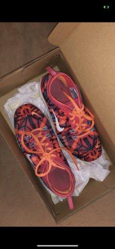Laufschuhe/Turnschuhe in Größe 37,5 von Nike