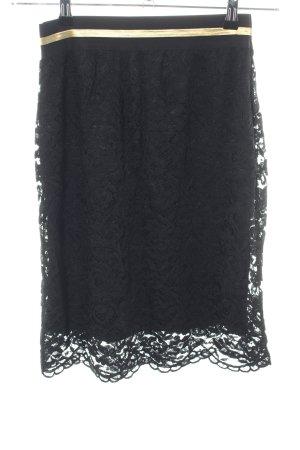 Falda de encaje negro elegante