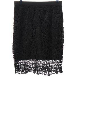 Laura Torelli Falda de encaje negro look casual