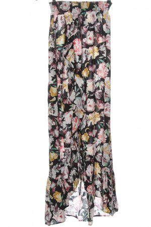 Laurella Falda asimétrica negro-rosa look casual