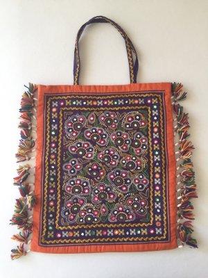 Lauren, a different tote bag