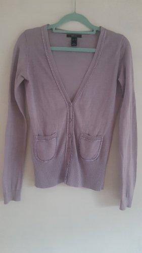 Lavendelfarbener Cardigan