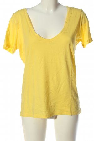 Lawrence Grey T-shirt col en V jaune primevère style décontracté
