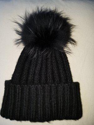 Lawrence Grey Cappello con pon pon nero