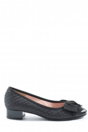 le babe High-Front Pumps black quilting pattern casual look