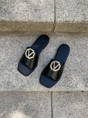 Comfortabele sandalen zwart-goud Leer
