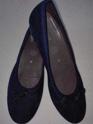 Ballerine en pointe bleu foncé cuir