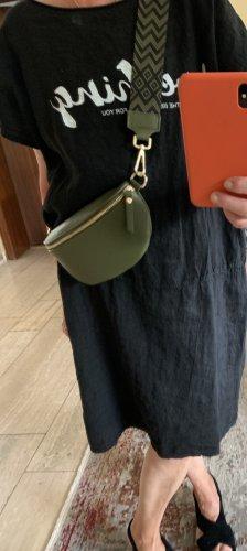 Leder Bauchtasche Umhängetasche in olivgrün mit 2 Riemen