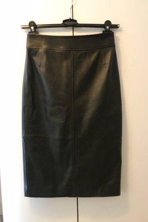Hugo Boss Jupe en cuir noir cuir