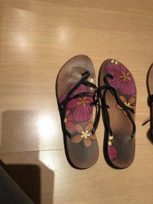 BlendShe Toe-Post sandals black