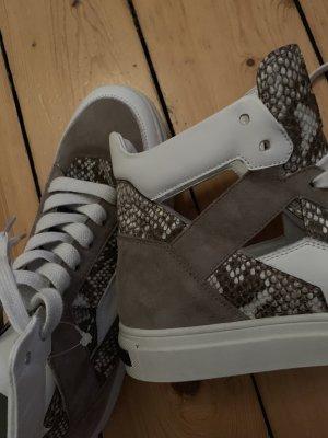 Leder high top Sneaker mit cut outs 39 Kennel & Schmenger