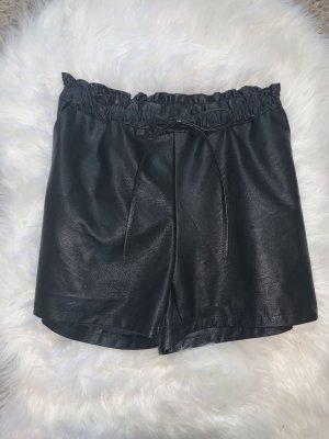 Boohoo Pantalón corto de talle alto negro