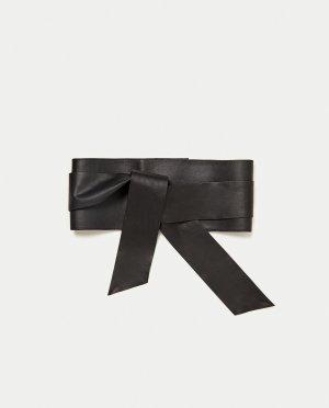 Zara Cinturón de cuero negro