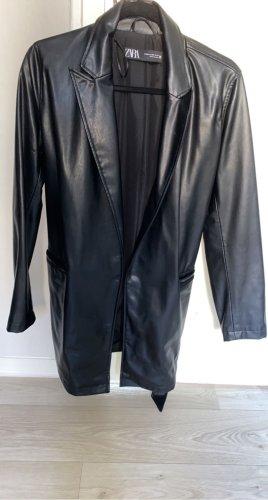 Zara Woman Blazer de cuero negro