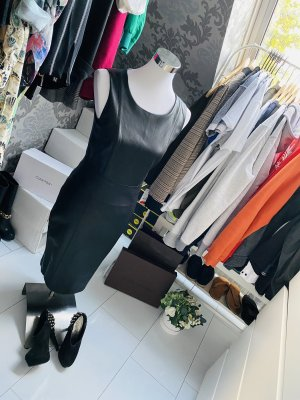 Next Robe en cuir noir