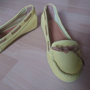 Eden Moccasins pale yellow