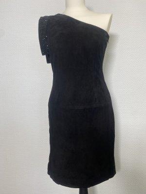 Be essay Vestido de cuero negro Cuero