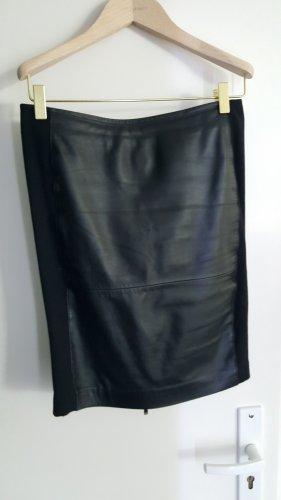 Karl Lagerfeld Jupe en cuir noir