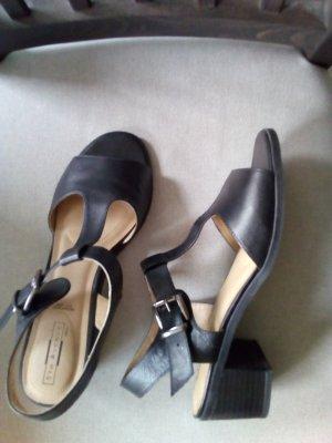 5th Avenue T-Strap Sandals black
