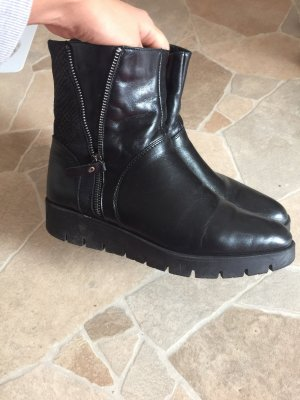 Venezia Slip-on Shoes black