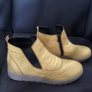 Leder Schuh gelb 40