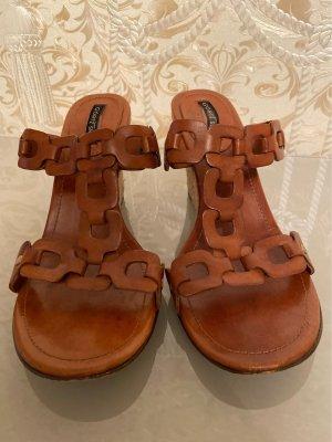Görtz Shoes Zomerschoenen met hak bruin
