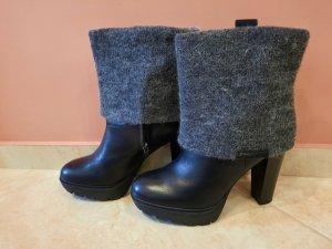 Calvin Klein Jeans Platform Booties black