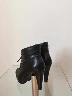 RYLKO Lace-up Booties black leather