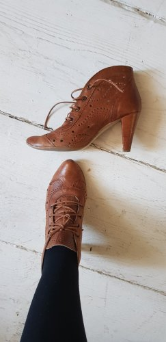 Sacha Lace-up Booties cognac-coloured leather