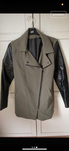 H&M Veste en cuir synthétique noir-kaki