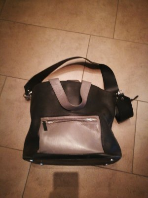 Leder Tasche & other stories