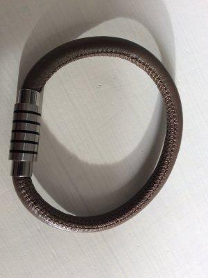 Bracelet en cuir taupe-argenté