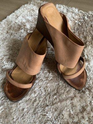 Hermès Sandalo con tacco color cammello Pelle