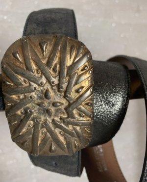 Umjubelt Cinturón de cuero marrón-color oro