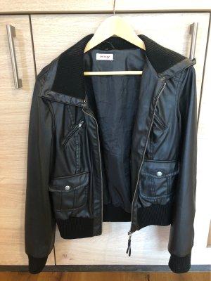 Lederjacke schwarz Gr. 40
