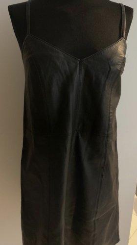 River Island Robe en cuir noir