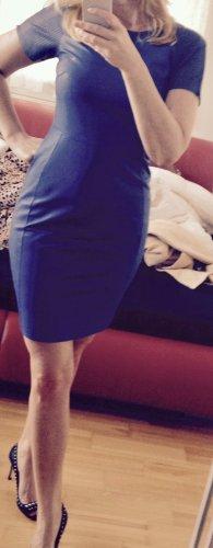 Robe en cuir bleu