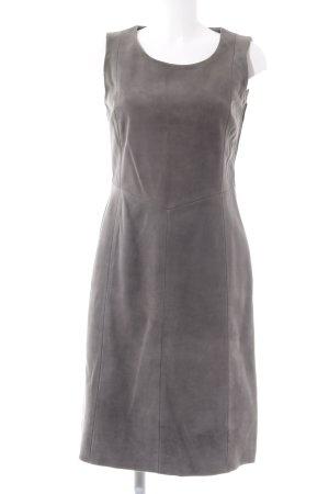 Robe en cuir gris élégant