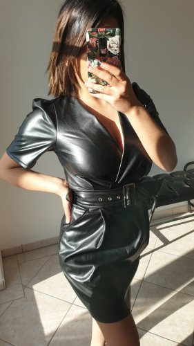 Lederkleid schwarzes Kleid mit Gürtel XS 34