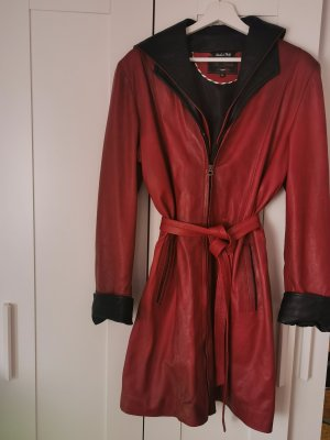 Manteau en cuir rouge cuir