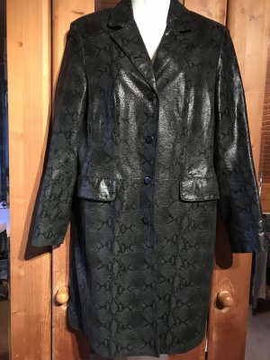 Abrigo de cuero negro