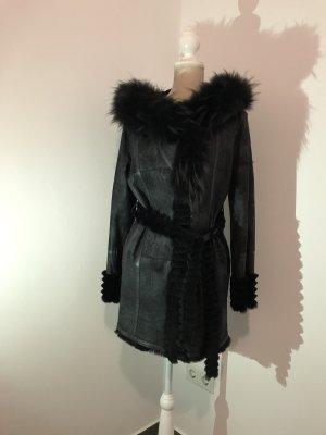 Abrigo negro Cuero