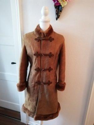 Abrigo de cuero marrón claro-marrón