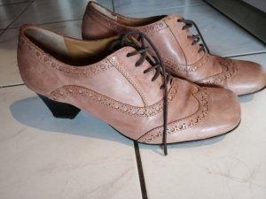 Chaussure à talons carrés marron clair