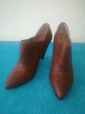 Biviel Pointed Toe Pumps brown leather